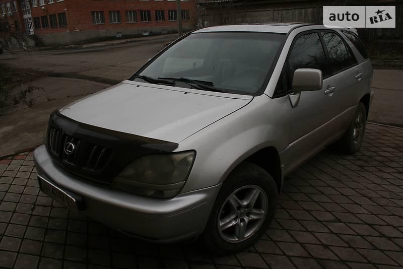 Lexus RX 2000 року