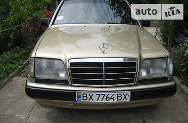 Mercedes-Benz 200 1989