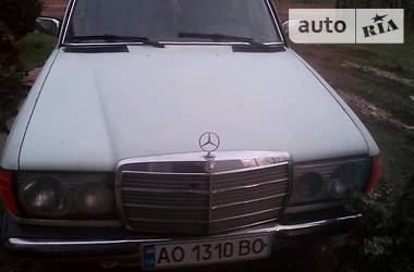 Mercedes-Benz 200  1978