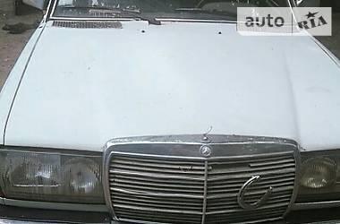 Mercedes-Benz 200 1977 в Одессе
