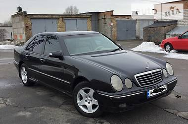 Mercedes-Benz 210  2001