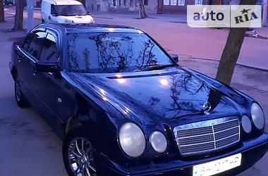 Mercedes-Benz 210 1999