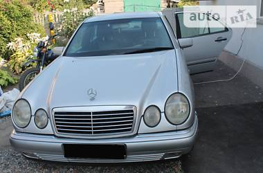 Mercedes-Benz 210 1998 в Полтаве