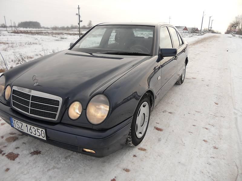 Mercedes-Benz 220 1999 в Житомире
