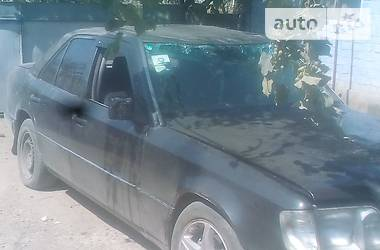 Mercedes-Benz 220 1993 в Николаеве