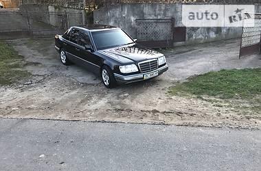 Mercedes-Benz 220 1995 в Львове