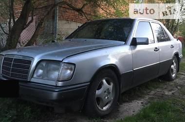 Седан Mercedes-Benz 220 1995 в Кропивницком