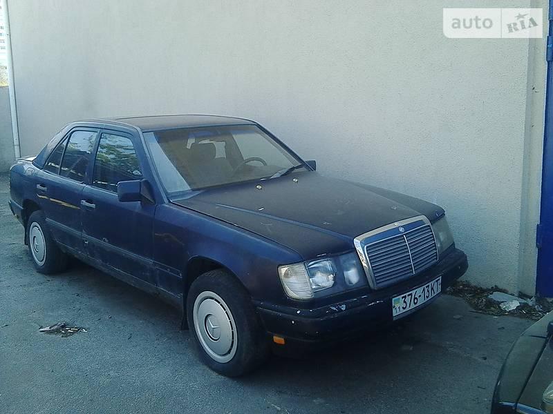 Mercedes-Benz 230 1988 в Киеве