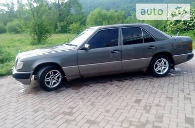 Mercedes-Benz 250 1990 в Косове