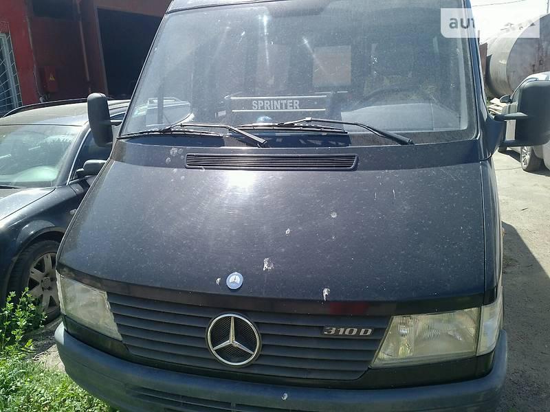 Mercedes-Benz 310 пасс. 1998 в Луцке