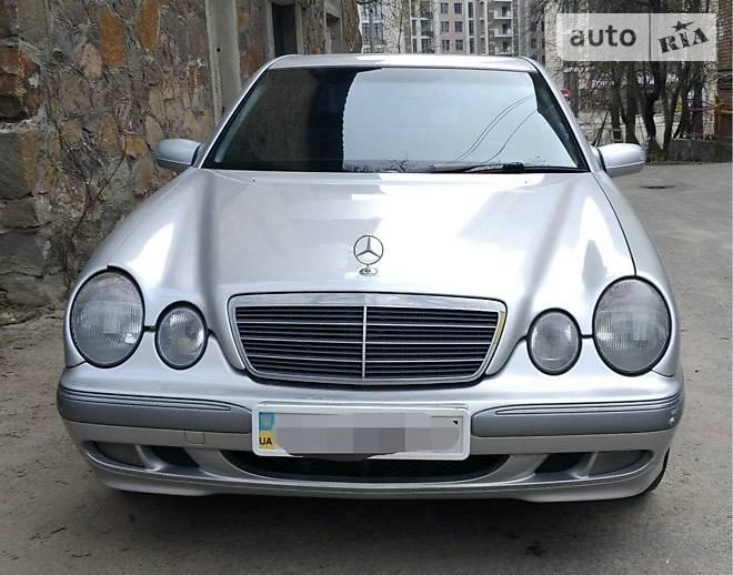 Mercedes-Benz 320 2000 в Києві