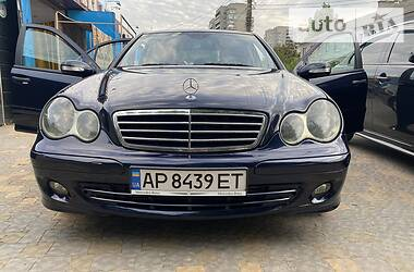 Седан Mercedes-Benz C 220 2006 в Харькове