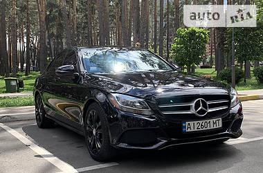 Седан Mercedes-Benz C 300 2016 в Киеве