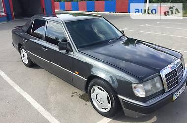 Mercedes-Benz E 200 1990 в Киеве