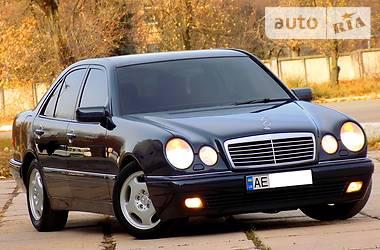Mercedes-Benz E 200 2000 в Днепре