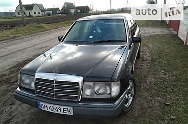 Mercedes-Benz E 200 1993 в Ружине
