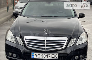 Седан Mercedes-Benz E 200 2011 в Києві