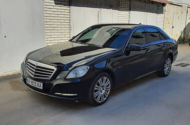 Седан Mercedes-Benz E 200 2012 в Києві