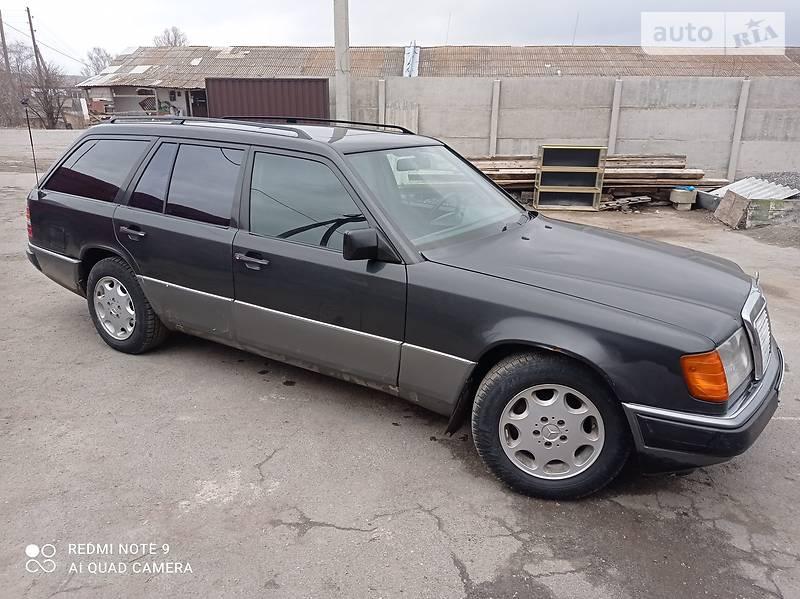 Унiверсал Mercedes-Benz E 200 1992 в Любарі