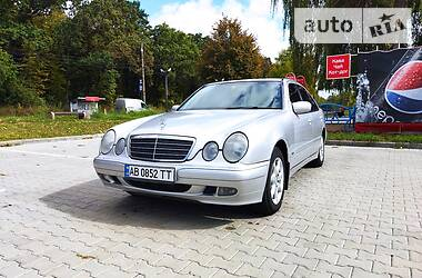 Седан Mercedes-Benz E 200 2002 в Виннице