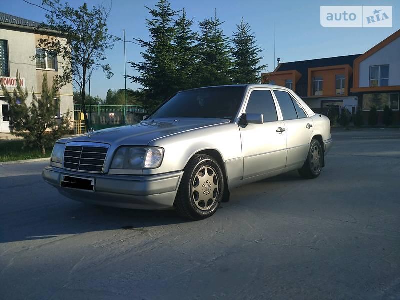 Mercedes-Benz E 220 1994 в Львове
