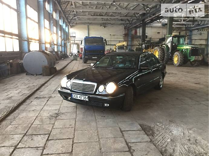Mercedes-Benz E 220 1999 в Радехове