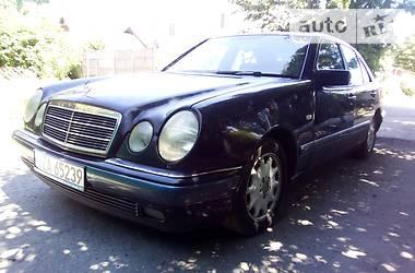 Mercedes-Benz E 220 1996