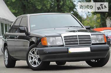 Mercedes-Benz E 220 1993 в Києві