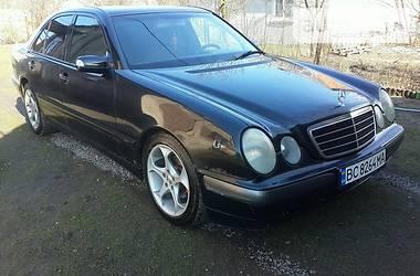 Mercedes-Benz E 220 2001 в Червонограде