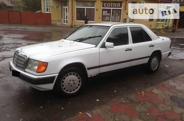 Mercedes-Benz E 230 1987 в Черновцах