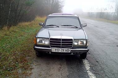 Mercedes-Benz E 240 1984 в Киеве