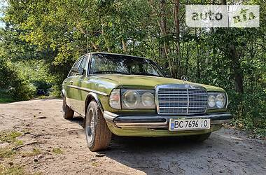 Mercedes-Benz E 240 1981 в
