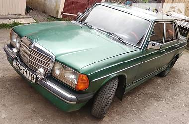 Седан Mercedes-Benz E 240 1980 в Ивано-Франковске