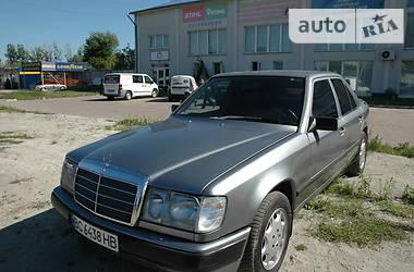 Mercedes-Benz E 300 1990 в Львове