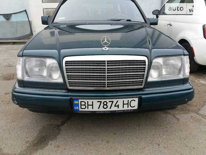 Унiверсал Mercedes-Benz E 300 1995 в Одесі