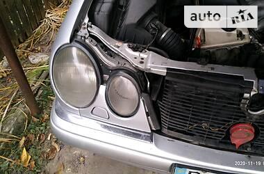 Седан Mercedes-Benz E 300 1999 в Гадячі