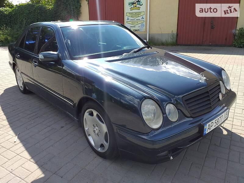 Седан Mercedes-Benz E 320 2000 в Запорожье