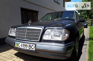 Mercedes-Benz E-Class All-Terrain 1993 в Львове