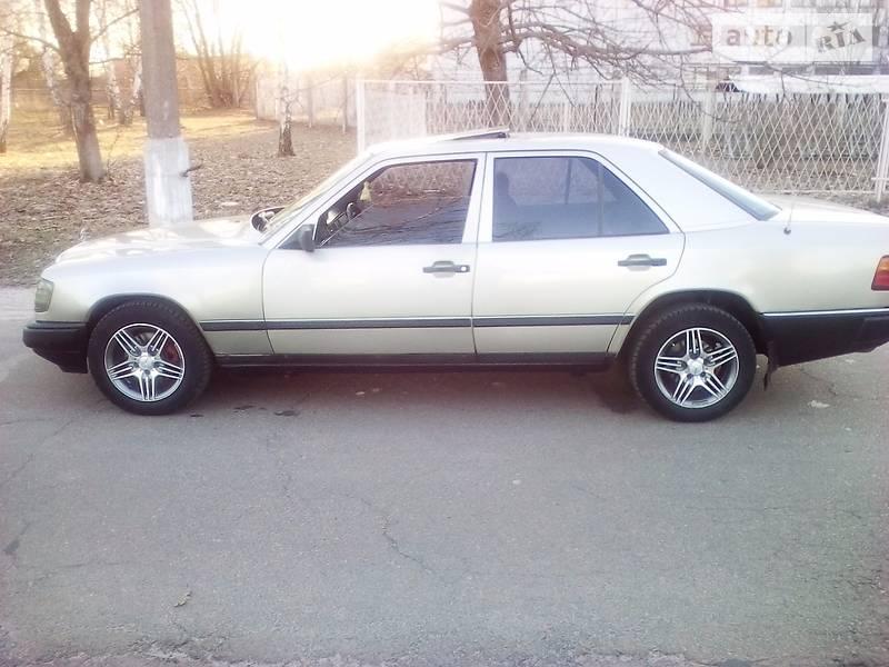 Mercedes-Benz E 1987 року