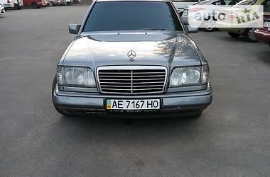 Mercedes-Benz E-Class 1993 в Днепре