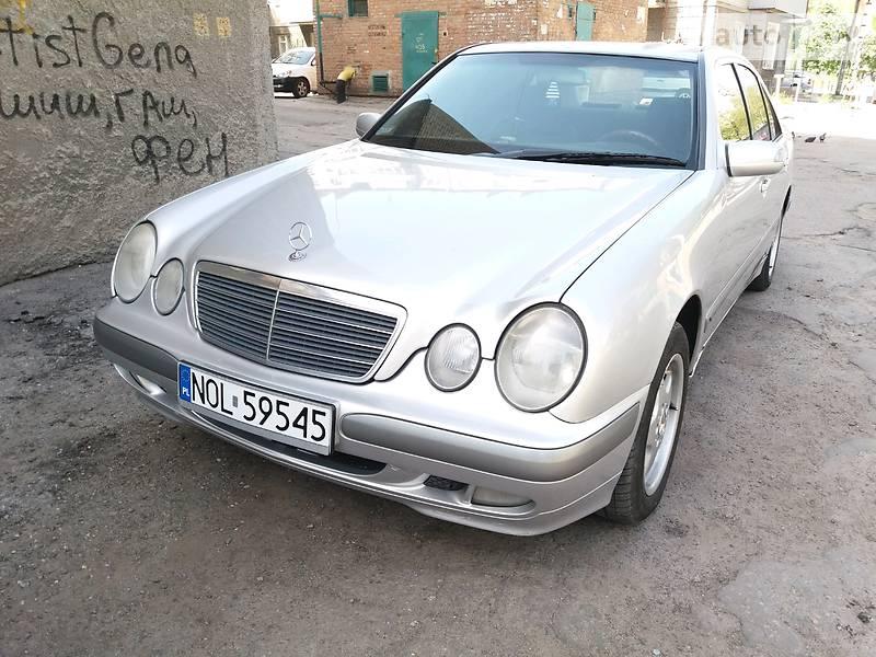 Mercedes-Benz E-Class 2000 в Днепре