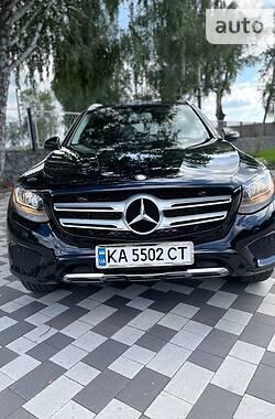 Внедорожник / Кроссовер Mercedes-Benz GLC 300 2016 в Киеве