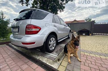 Внедорожник / Кроссовер Mercedes-Benz ML 350 2010 в Долине