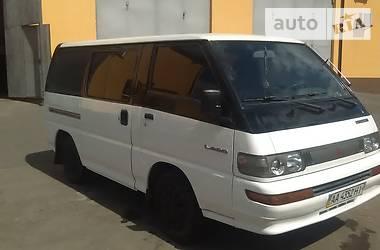 Mitsubishi L 300 пасс. 1993 в Киеве