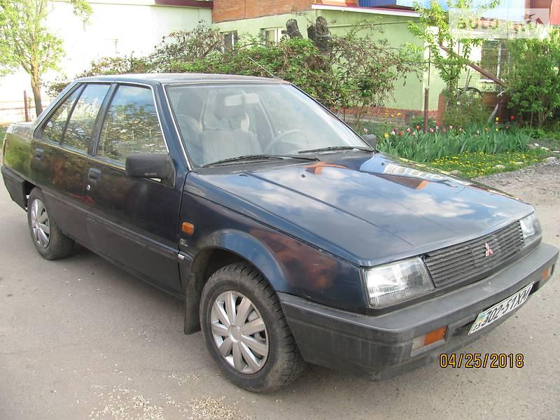 Mitsubishi Lancer 1986 року