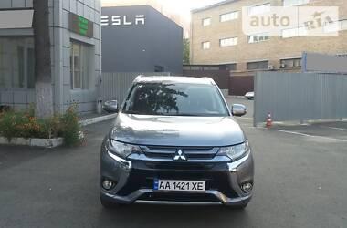 Mitsubishi Outlander PHEV 2015 в Киеве