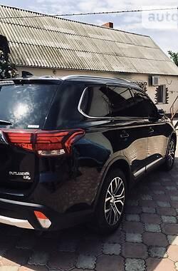 Позашляховик / Кросовер Mitsubishi Outlander 2018 в Роздільній