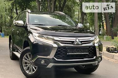 Mitsubishi Pajero Sport INTENSE PLUS