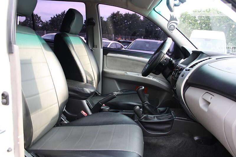 Mitsubishi Pajero Sport  2011