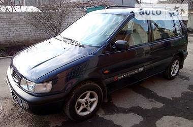Mitsubishi Space Runner GLXi 1995